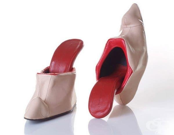 Дори обувките може да си показват езиците.