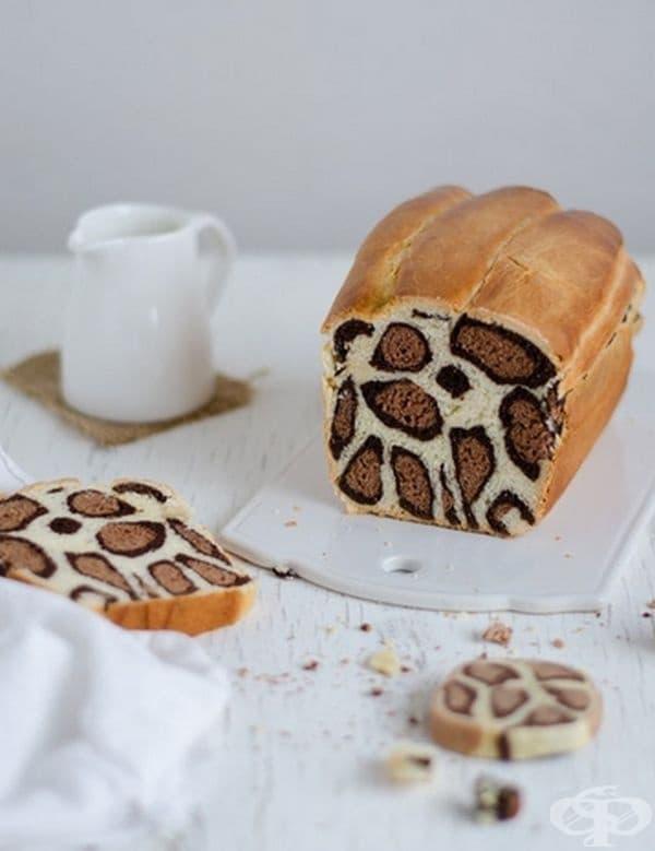 Цветен хляб. Това творение се изпълнява в Тайланд и привлича все повече последователи. Сладката закуска е толкова интересна, че е трудно човек да отхапе.