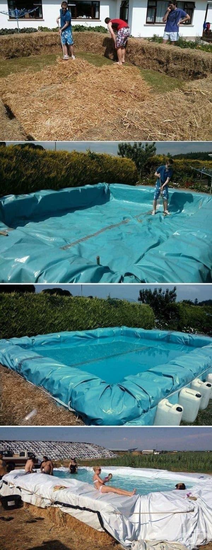 Плувен басейн, направен от бали със сено.