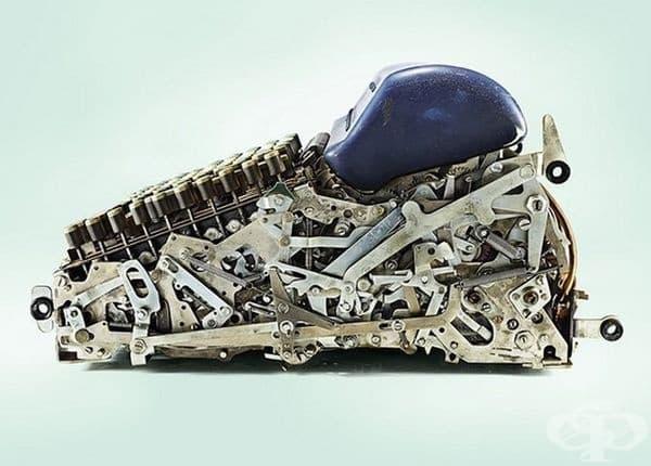 Не, това не е робот, а разрез на печатаща машина.