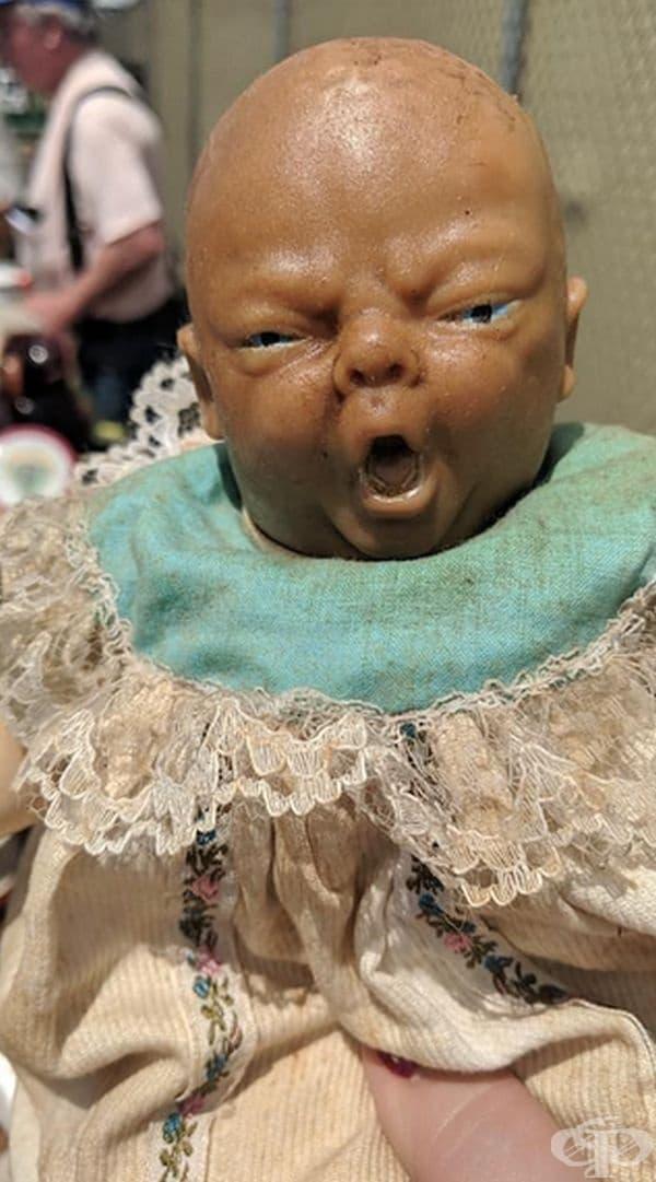 """""""Много страшна кукла, иска ми се да крещя заедно с нея."""""""