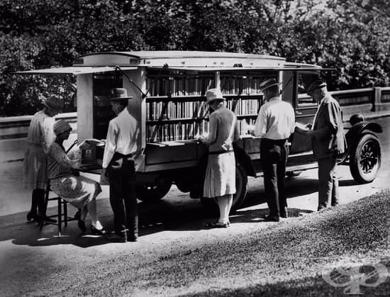 Първият книгомобил на библиотеката в Синсинати, 1927 г.