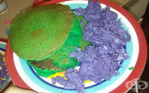Не е ясно що за чудо е това цветно ястие.