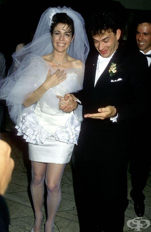 Рита Уилсън, 1988г. Рита Уилсън тръгна по пътеката с Том Ханкс в супер къса рокля, която не е отговаряла на тенденциите по онова време. Бракът й продължава цели 28 години.