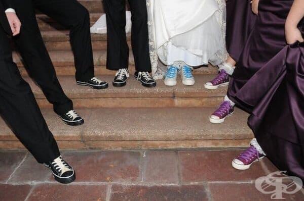 Сватбени обувки.