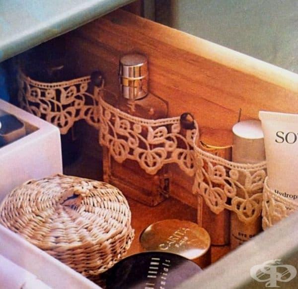 Друг вариант да сортирате козметиката си в чекмеджетата.