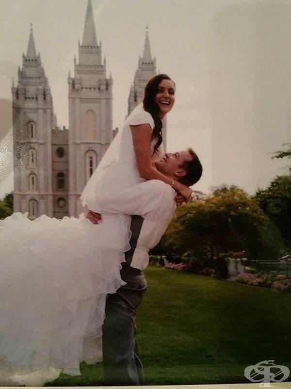 Според свекървата булката отдавна е скочила на раменете на младоженеца.