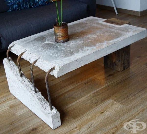 Предимствата на тази маса: тя е здрава и стабилна.