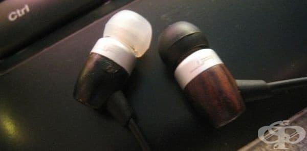Използвайте различни цветове за бързо разпознаване на лявата и дясната слушалка.