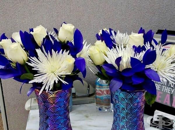 """""""Съседката и приятелката ми подариха на своите майки еднакви букети, дори с еднакви вази""""."""