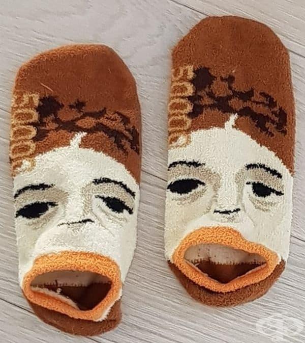 Гладни чорапи.