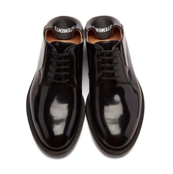 Нов тренд - обувки със загъната пета.
