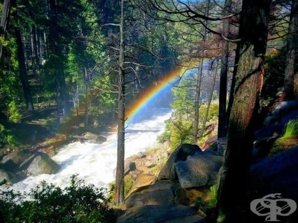 Дъга по водопадите на Върнал и Невада.