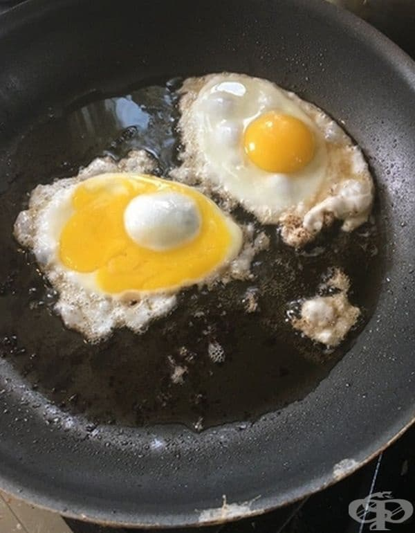 Ин и Ян при яйцата.