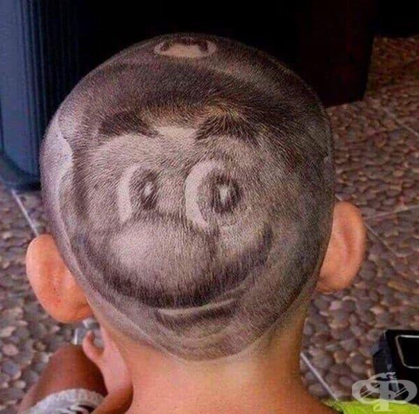 По този начин ушите на Супер Марио се падат на врата му.