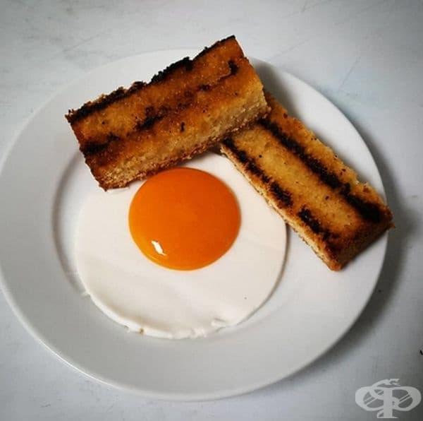 Закуска, направена от кокос, манго и грилирано лимоново пюре.