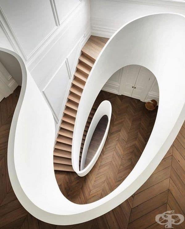 Тези сюрреалистични стълби изглеждат като оптична илюзия.