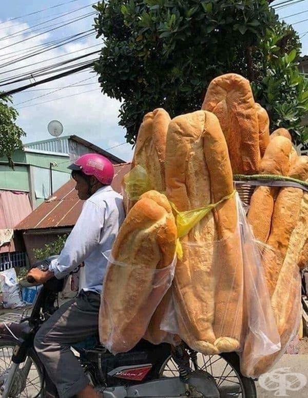 Представете си да направите сандвич с тези гигантски багети!