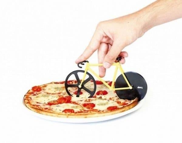 Интересен нож за пица.