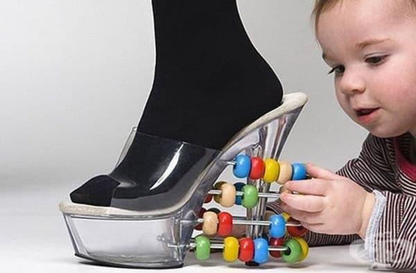 Когато сте възпитател в детска градина, но желаете да отидете с висока обувка на работа.