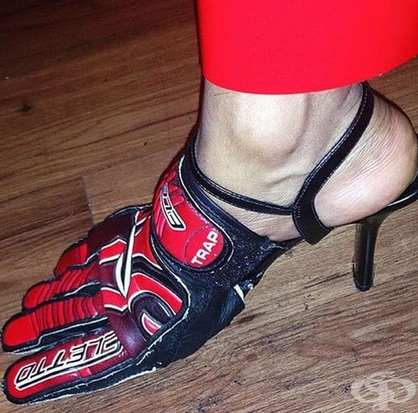 Състезателни обувки на ток.