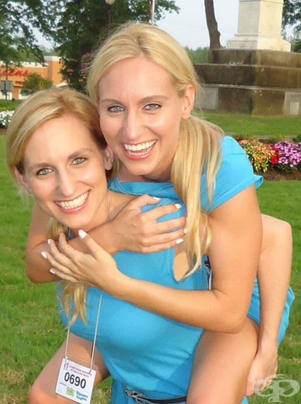 Британи и Бриана са посещавали всяка година Фестивала на близнаците.
