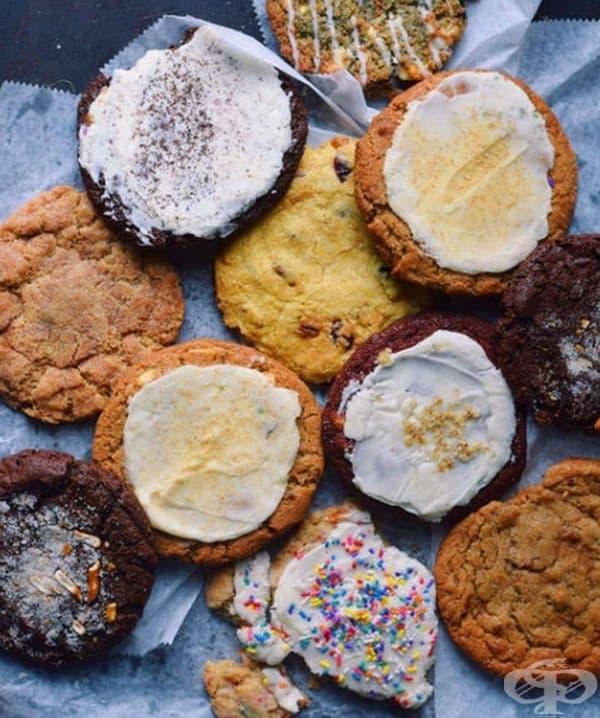 Бисквити с различен крем от Schmackary's Cookies.