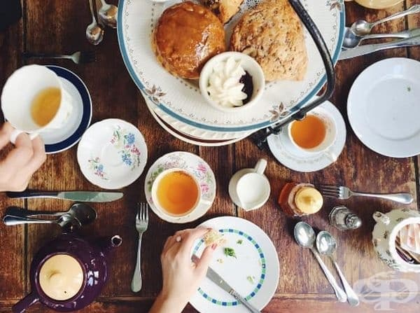 Кифлички от Alice's Tea Cup.