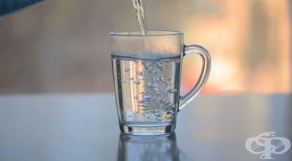 Отпуска мускулите. Според Healthline топлата вода е полезна срещу припадъци, тъй като помага да се увеличи притока на кръв към кожата и да се отпуснат мускулите.