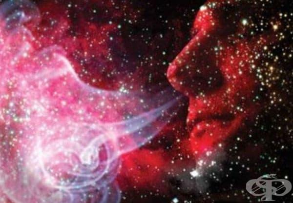 В Космоса може и да няма звук, но има специфична миризма: букет от дизелови изпарения, барут и барбекю.
