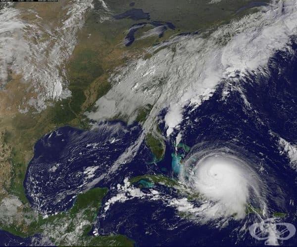Ураган от трета степен освобождава повече енергия за 10 минути, отколкото всички ядрени оръжия на света, взети заедно.