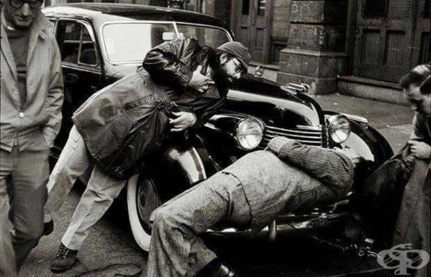 """Франсис Форд Копола и Марлон Брандо на снимачната площадка на""""Кръстникът"""", 1972 г."""
