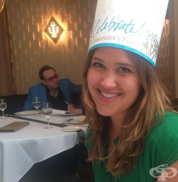"""""""Празнувах рождения си ден в ресторант. Фотобомбата ми с Никълъс Кейдж беше най-страхотният подарък за мен."""""""