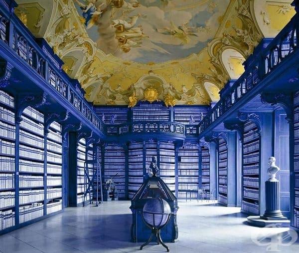 Библиотеката на Абатсво Сайтенщатен, Австрия.