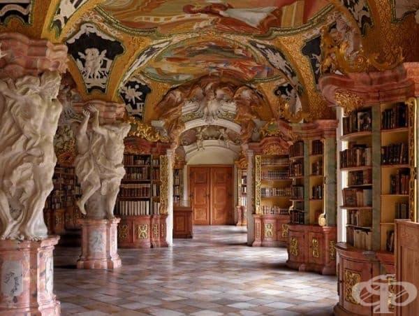 Библиотеката на Абатство Метен, Германия.