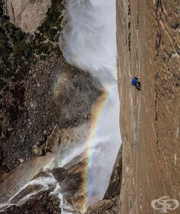 Алекс Хонълд изкачва планината в Йосемити без въже!
