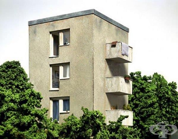 Сграда с тераси.