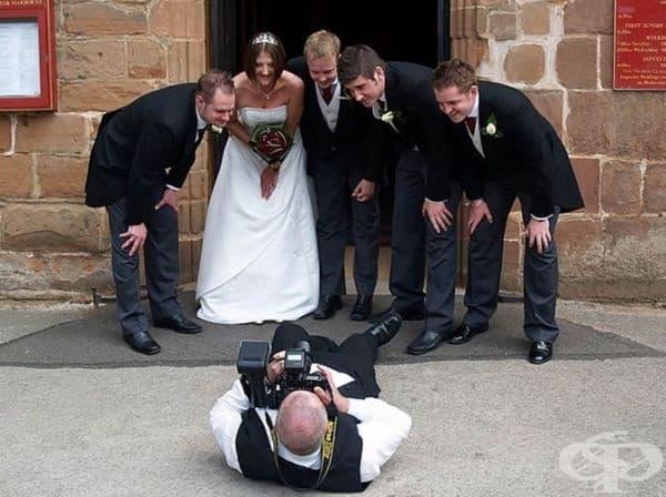 33 сватбени снимки доказват, че фотографите са забавни