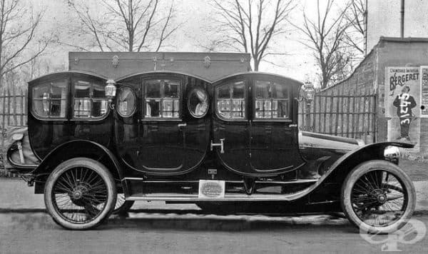 Една от оригиналните лимузини във Франция, 1910 г.