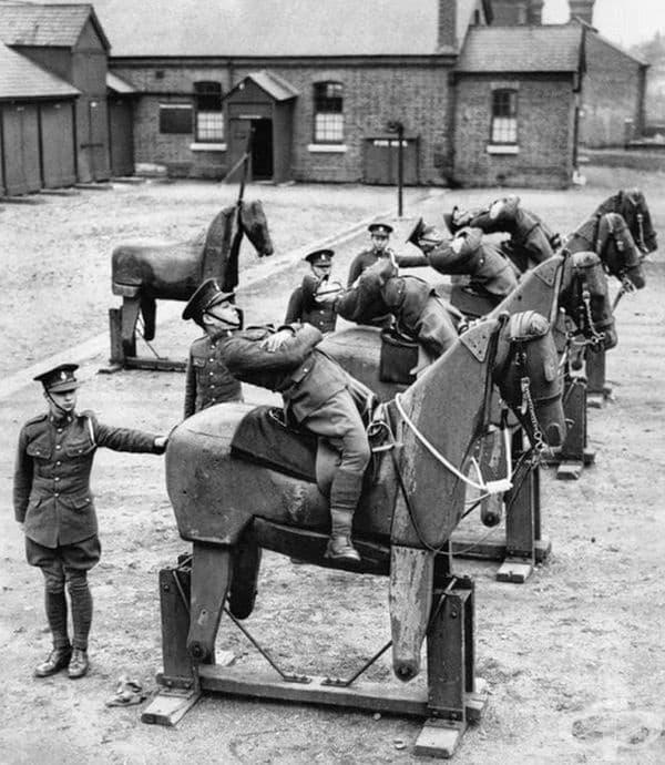 Обучение на кавалерията в Англия през 1935 г.