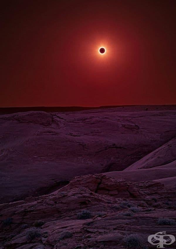 Слънчево затъмнение в резервата Каньон де Шели, Аризона.
