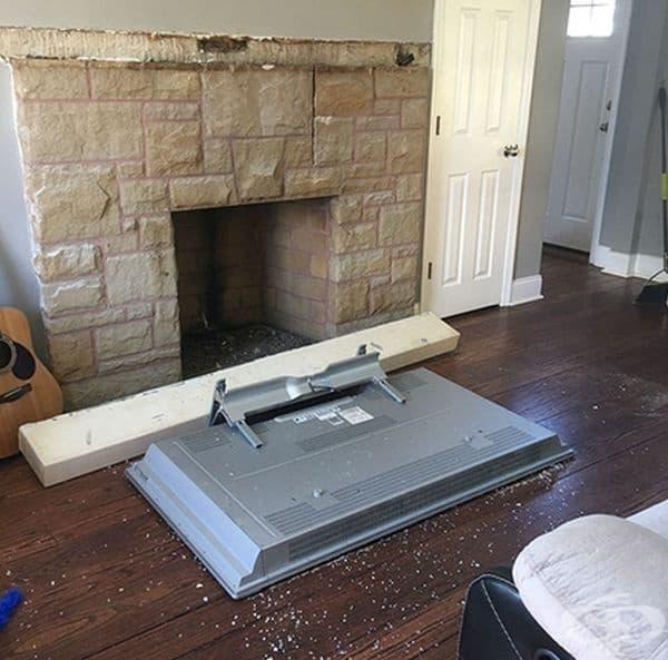 Затова не е удачно телевизорът да бъде над камината.