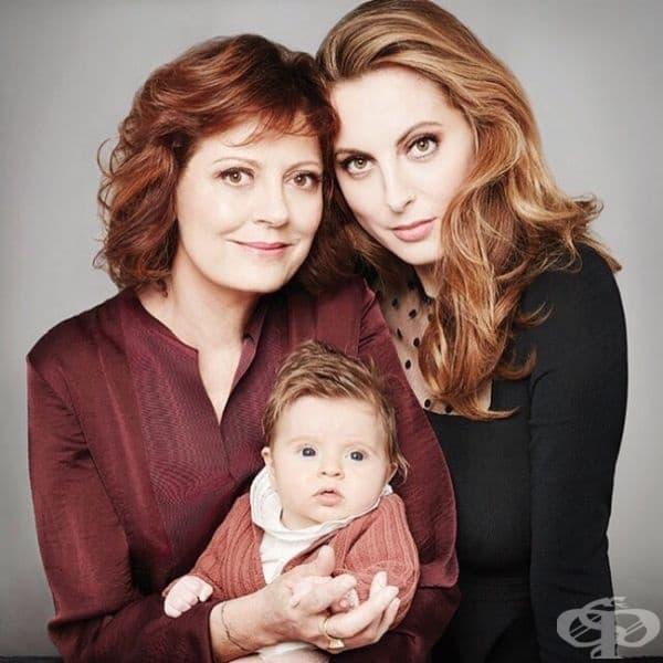 Две красиви жени изглеждат еднакво - актрисата Сюзън Сарандън с дъщеря й Ева.