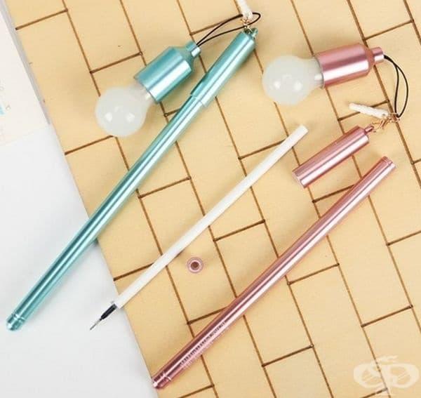 Химикалки с лампички. Идеални за тези, открили вдъхновението през нощта.