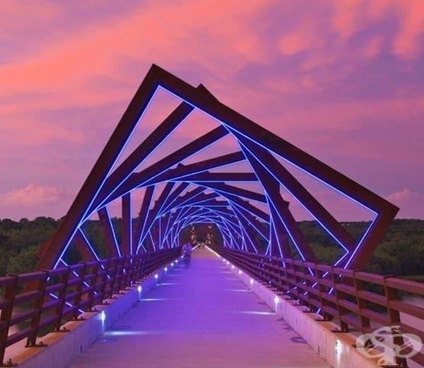 Този мост е произведение на изкуството.