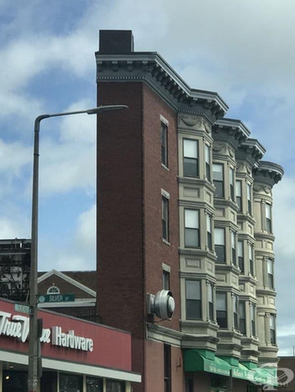Къде е останалата част от сградата?