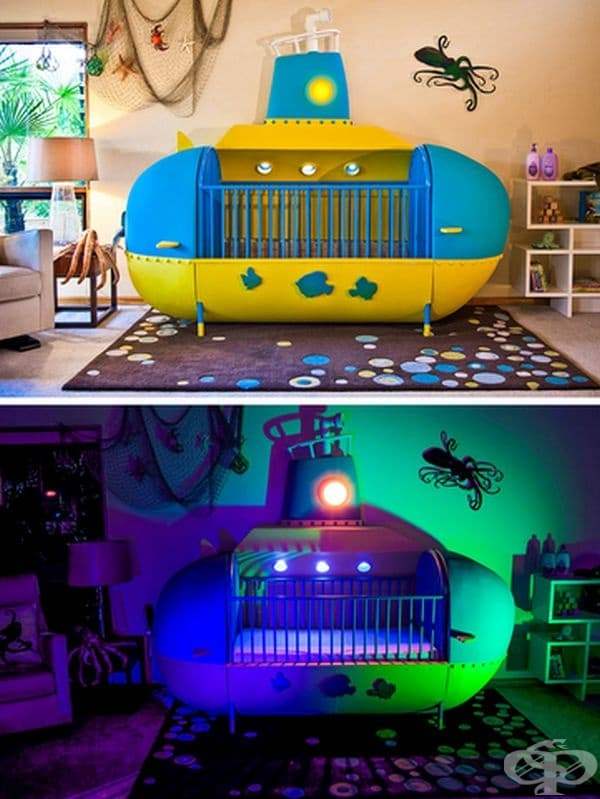 Стая с жълта подводница и ефектни светлини.