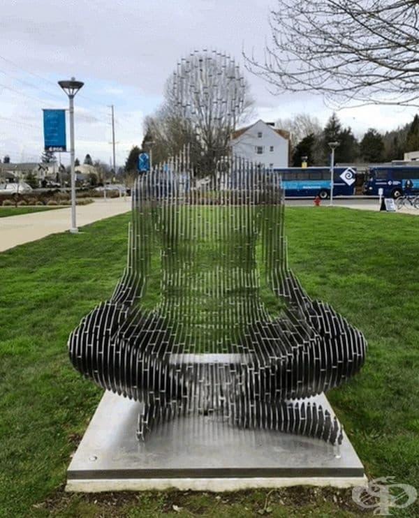 Прозрачна скулптура?
