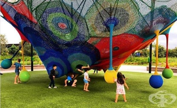 Забавна детска площадка за игра.