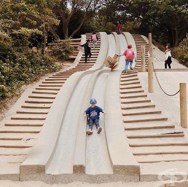 Децата не обичат стълбите, предпочитат по-забавният вариант.